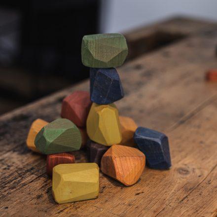 PINTER WOODS Egyensúlyozó kövek - festett 13 db.